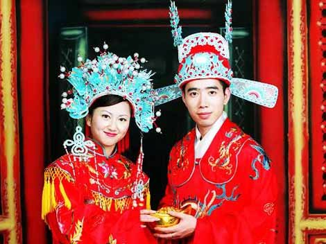 your sister has asked you to gather information about traditional chinese weddings you will use the websites listed to gather information about various