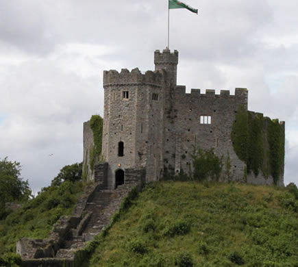 an introduction to the history of the castles in europe Castles in europe – everybody loves europe's top 25 castles in sightseeing as with many other european castles, lincoln castle is steeped in history.